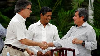 Santos se despide del poder sin alcanzar una tregua con el ELN