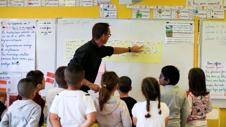 دردسرهای قانون منع تلفن همراه در مدارس فرانسه