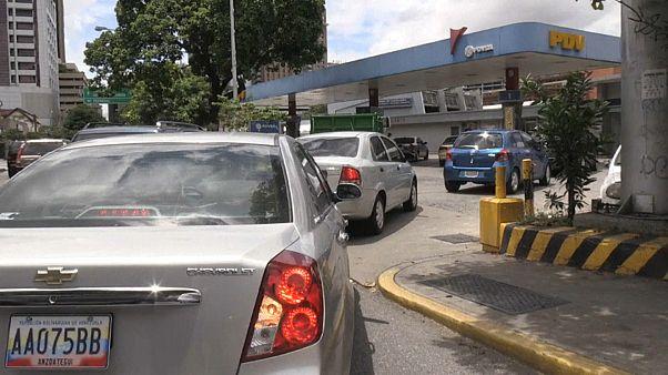 """Venezuela: censo de vehículos contra el """"derroche"""" de gasolina"""