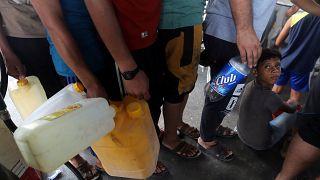 إسرائيل تقطع الغاز والوقود عن غزة بحجة البالونات الحارقة
