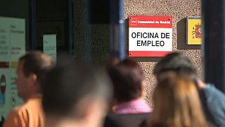 Más empleo y menos paro en julio en España