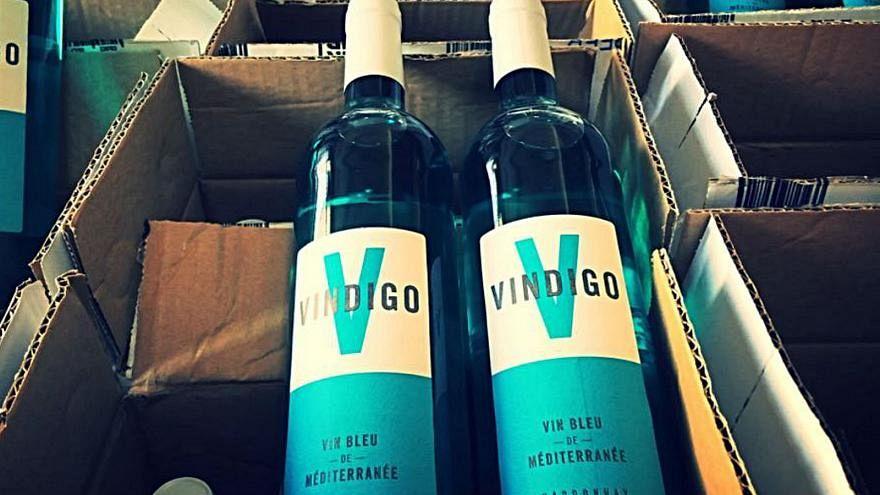 نبيذ فرنسا: أحمر أو أبيض أو ورديّ أو... أزرق