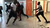 Batalha em Orly dos rappers franceses Booba e Karis