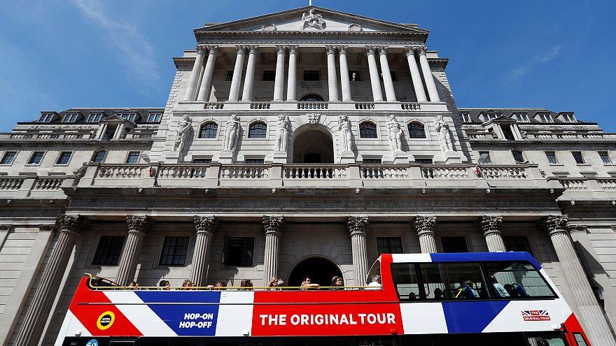 Brexit : la banque d'Angleterre abaisse ses taux