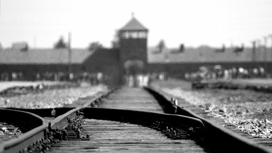 Naziler 2 Ağustos 1944'te Austschitz kampında 3 bin Roman'ı katletti.