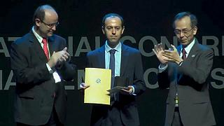 İranlı bilim insanı 'Matematiğin Nobeli' ödülünü aldı, altın madalya kısa sürede çalındı