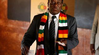 Präsident Mnangagwa bleibt wohl in Simbabwe an der Macht