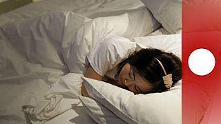 Éjszakai alvásra hívja légkondicionált üzleteibe a vevőket egy finn lánc