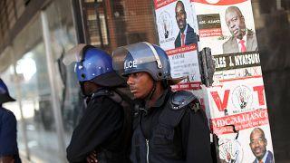 Zimbabwe's Mnangagwa takes lead in vote count