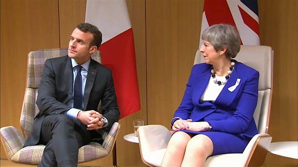 May y Macron, cena en la Costa Azul con el Brexit como plato principal