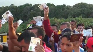 Gigantesca sanatoria di immigrati venezuelani in Colombia