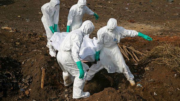 Ebola : l'OMS tire la sonnette d'alarme
