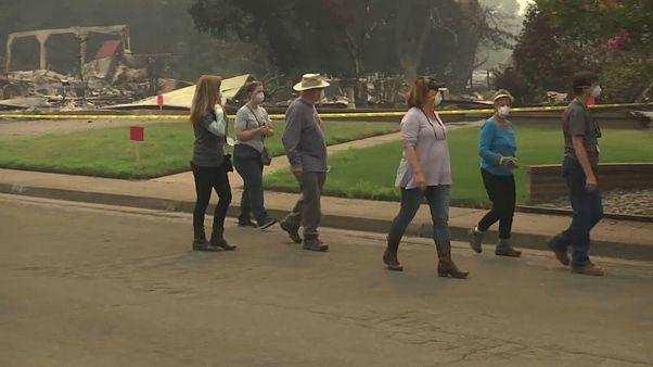 Après les incendies en Californie, le dur retour des habitants
