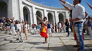 """Protest vor dem Valle de los Caídos, dem """"Tal der Gefallenen"""""""