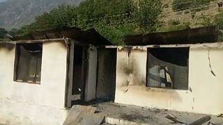 مهاجمان ۱۲ مدرسه را در پاکستان به آتش کشیدند