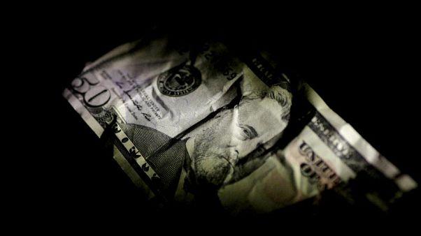 روزشمار سیاسی نرخ ارز؛ از گروگانگیری ریال تا آزادی دلار