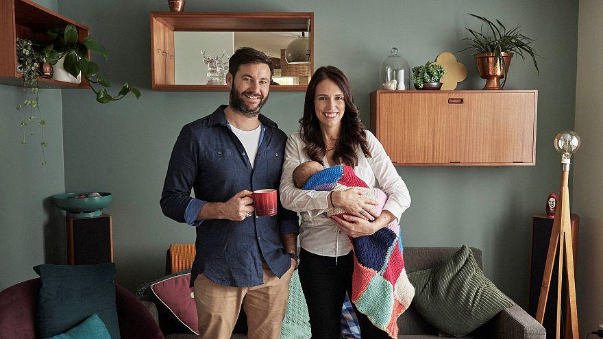رئيسة الوزراء النيوزلندية تتجهز للعودة إلى العمل بعد إجازة الأمومة