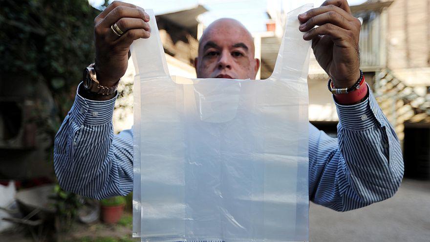 Güney Amerikada bir ilk: Şilide plastik poşet kullanımı yasaklandı 57