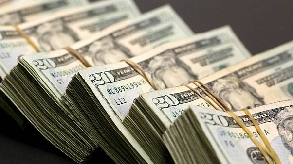ارز مسافرتی متوقف نمیشود ولی گران میشود