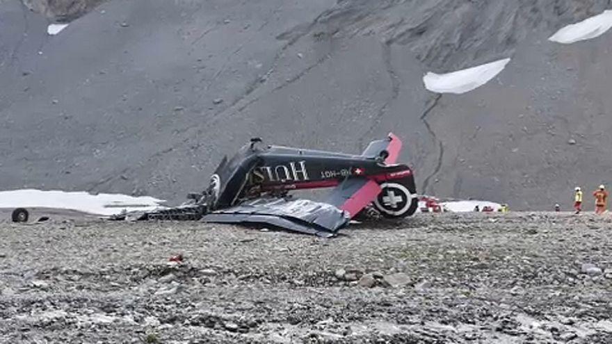 Lezuhant egy kisgép Svájcban, húszan meghaltak
