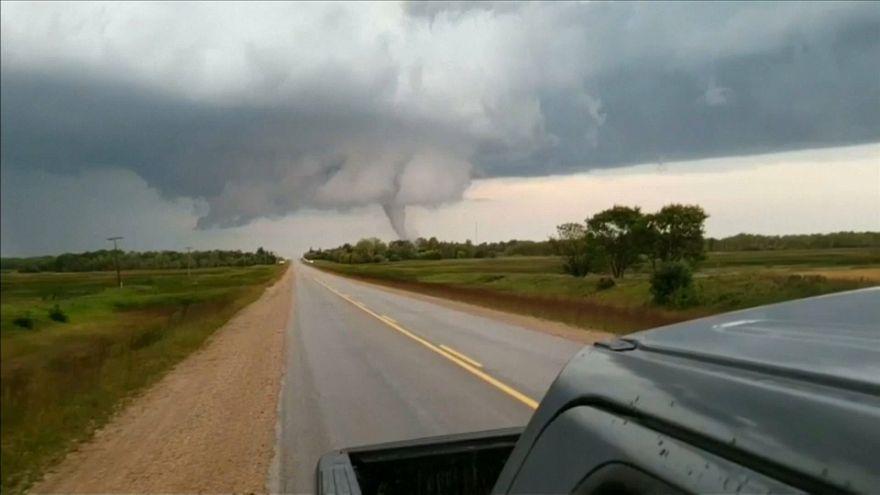 Une tornade impressionnante au Canada