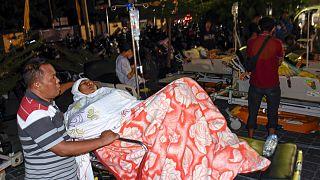 زلزله ۷ ریشتری اندونزی دستکم ۸۲ کشته بر جای گذاشت
