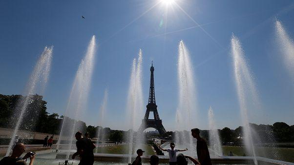 Los sintecho, en riesgo por la ola de calor en Francia