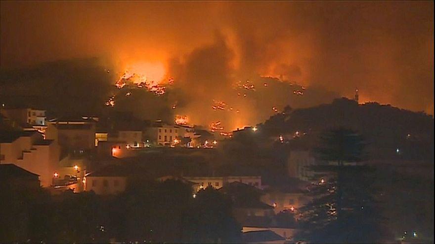 España y Portugal luchan contra los incendios