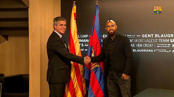 بالفيديو: أرتورو فيدال رسمياً في صفوف برشلونة