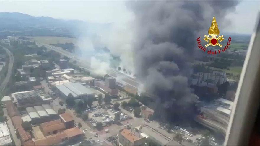 İtalya'da havaalanı yakınında patlama: 2 ölü 60 yaralı