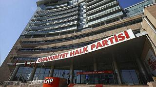 CHP'de yönetim 'kurultay yok' dedi, muhalifler itiraz etti