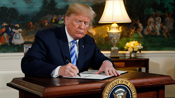 امضای فرمان بازگشت دور نخست تحریمها توسط ترامپ و پیشنهاد دوباره برای مذاکره