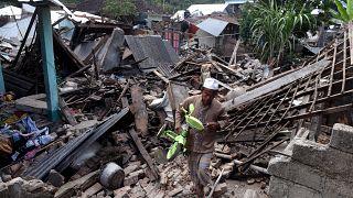 Lombok encore sous le choc d'un deuxième séisme meurtrier