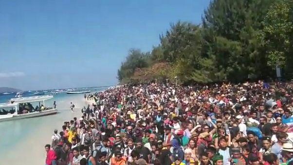Ινδονησία: Εκκενώνονται τα νησιά κοντά στο Λομπόκ