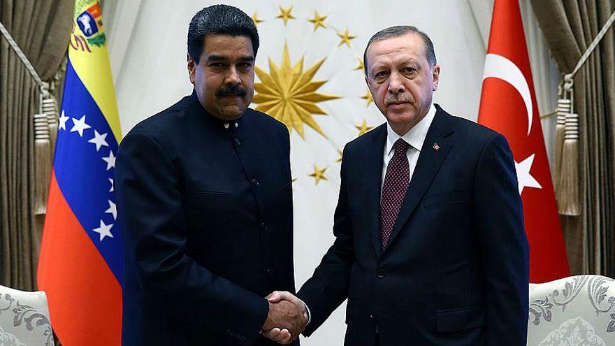 Erdoğan'dan Maduro'ya geçmiş olsun telefonu