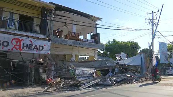 Rescatadas con vida dos personas en Lombok
