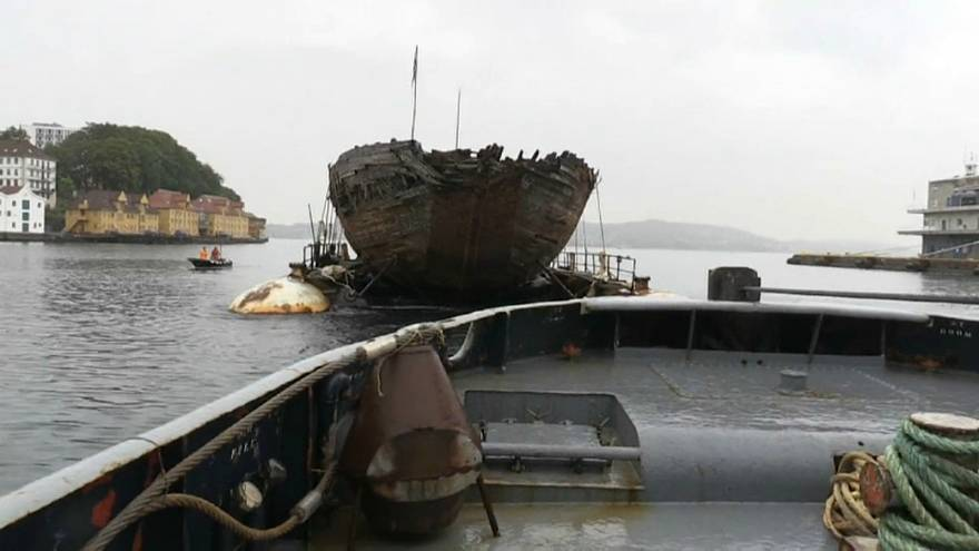 maud gemi geri götürülüyor