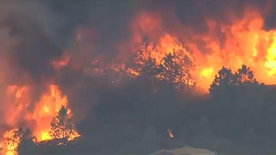 Califórnia luta contra o maior incêndio mais da sua história