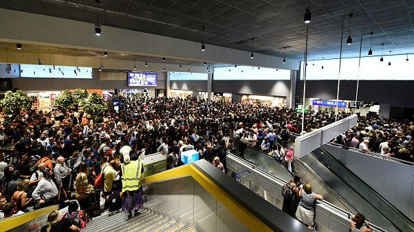 Οικογένεια Γάλλων προκαλεί αναστάτωση στο αεροδρόμιο της Φρανκφούρτης
