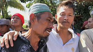 В Индонезии под обломками мечети могут находиться 50 человек