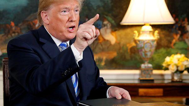 """Trump: """"Chi fa affari con l'Iran non li farà con noi"""""""