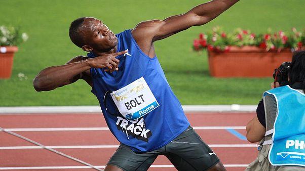 'Yıldırım' Bolt profesyonel spora yeşil sahalarda dönüyor