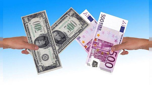 Dolarda euro ve yuan karşısında haftalık en büyük düşüş