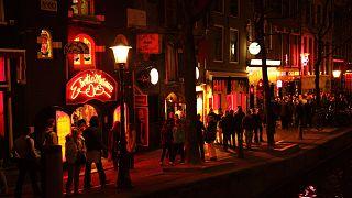 Amsterdam'ın ünlü Red Light District'i temizlenip girişler kısıtlanacak