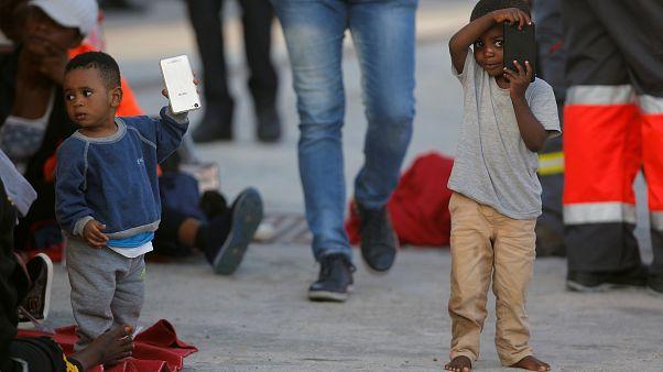 """Почему мигранты """"облюбовали"""" Испанию?"""