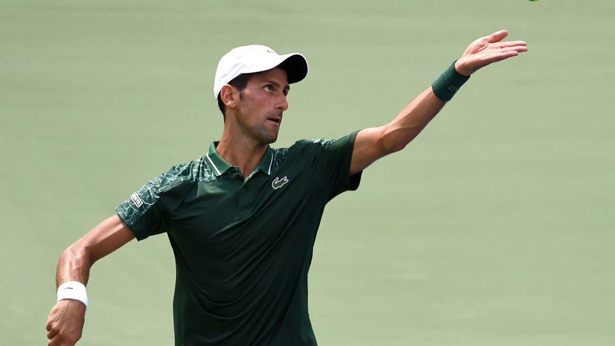 Djokovics és Wawrinka a második körben