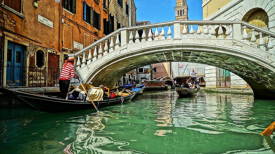 Βενετία: Δυο εσπρέσο και δύο νερά κόστισαν 43 ευρώ!