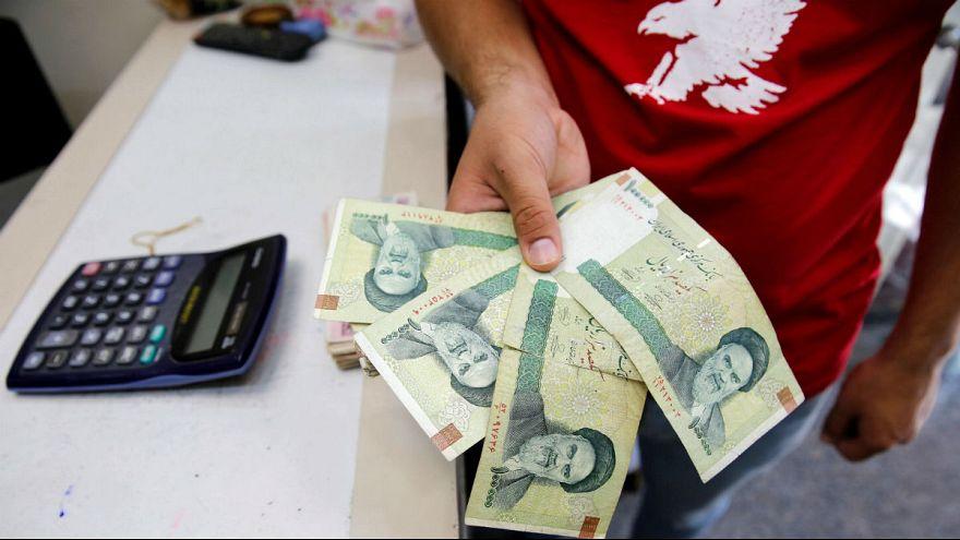 عقبنشینی بورس و صعود دلار؛ تکلیف ارز مسافری و دانشجویی روشن شد