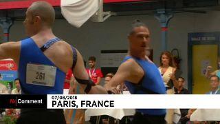 Tüm dünyadan eşcinsel çiftler Paris Gay Oyunları dans yarışmasında hünerlerini sergiledi