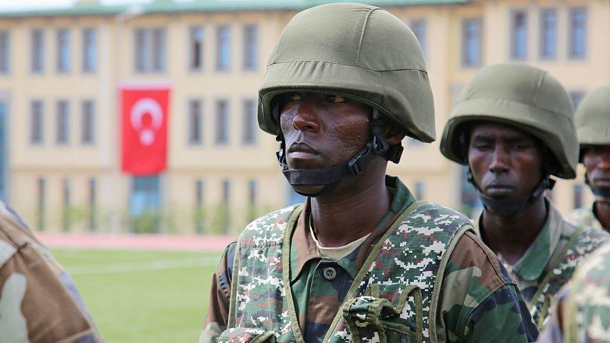 Somali'deki Türk askeri eğitim merkezi ilk mezunlarını verdi